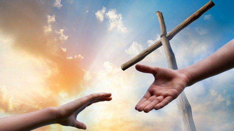 Mến Chúa – Yêu người: chính là thập giá tôi